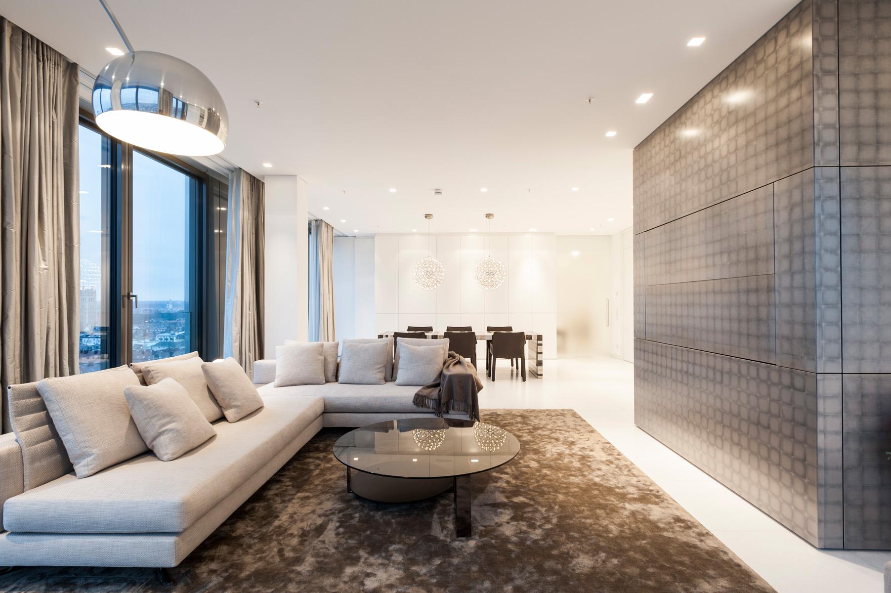 Zwei Wohnbereiche harmonisch kombinieren