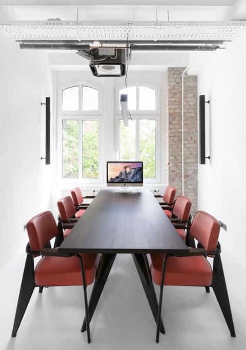 Ein Meetingtisch