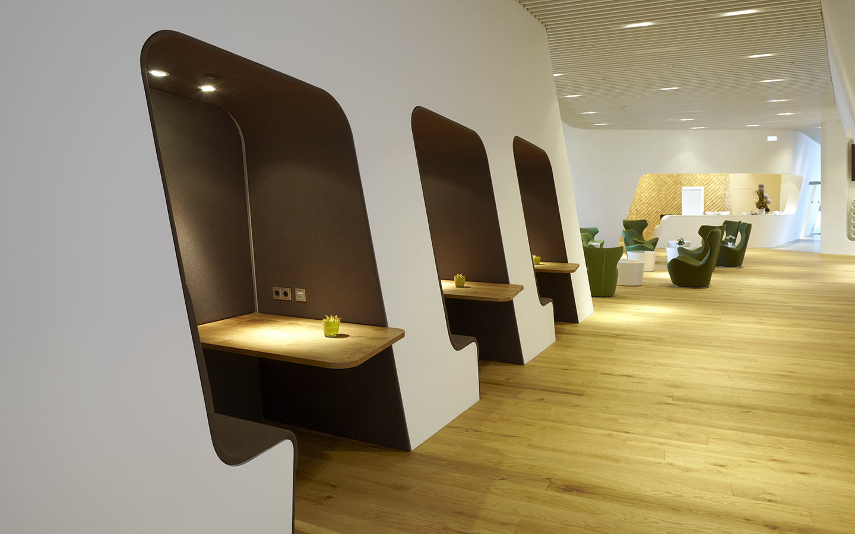 Slide-Referenzen-Lounge-VIP-WING-Lounge